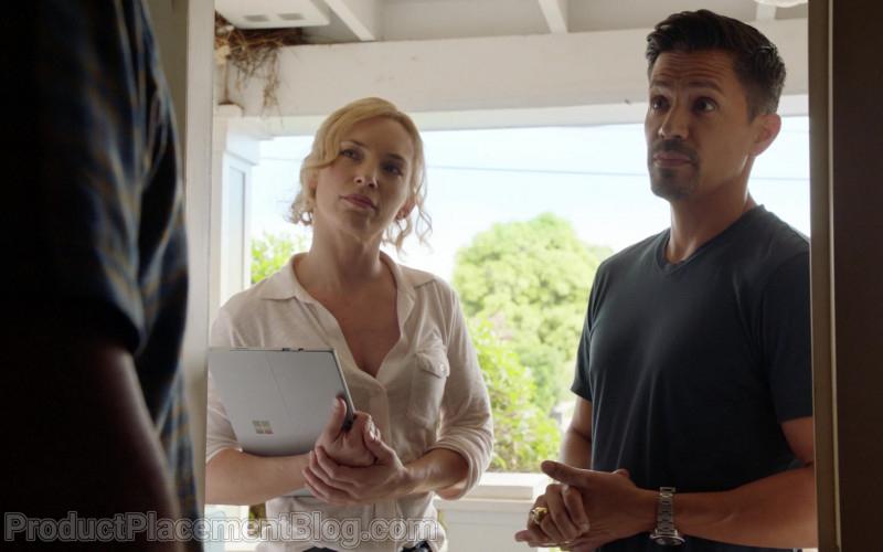 Microsoft Surface Tablet of Perdita Rose Weeks as Juliet Higgins in Magnum P.I. S03E08 (2)