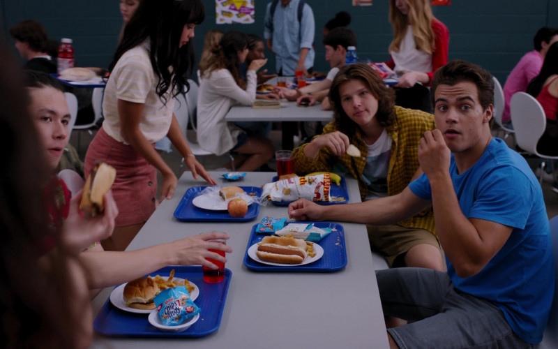 Mini Chips Ahoy! Cookies in Ginny & Georgia S01E01 Pilot by Netflix (1)