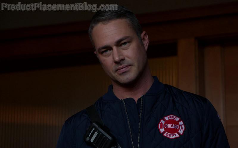 Motorola Radio in Chicago Fire S09E07 (2)