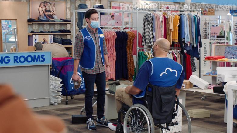 New Balance Men's Sneakers of Ben Feldman as Jonah Simms in Superstore S06E09 (2)