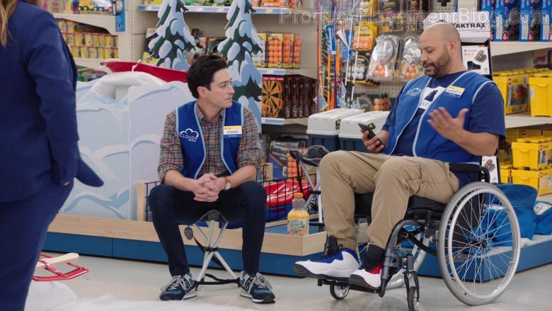 New Balance Men's Sneakers of Ben Feldman as Jonah Simms in Superstore S06E09 (4)