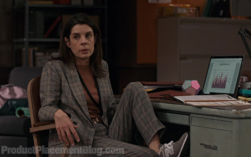 New Balance Women's Sneakers of Meredith MacNeill as Sam Wazowski in Pretty Hard Cases S01E03 (3)