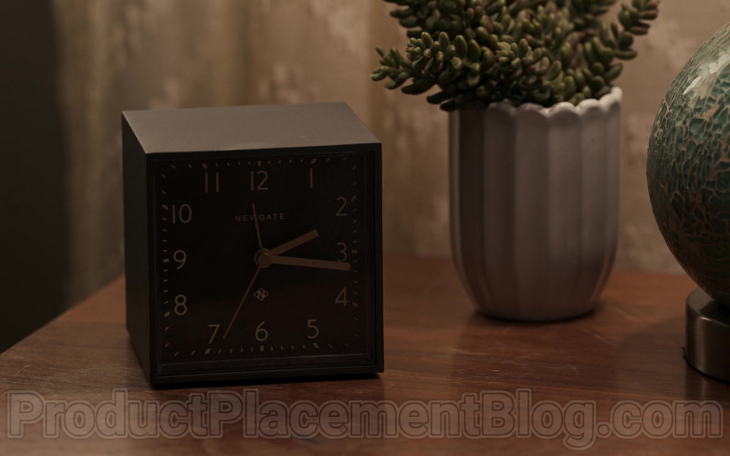 Newgate Clock in The Equalizer S01E01 (2021)