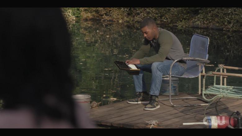Nike Air Jordan 1 Sneakers Worn by Daniel Ezra as Spencer James in All American S03E06 (3)