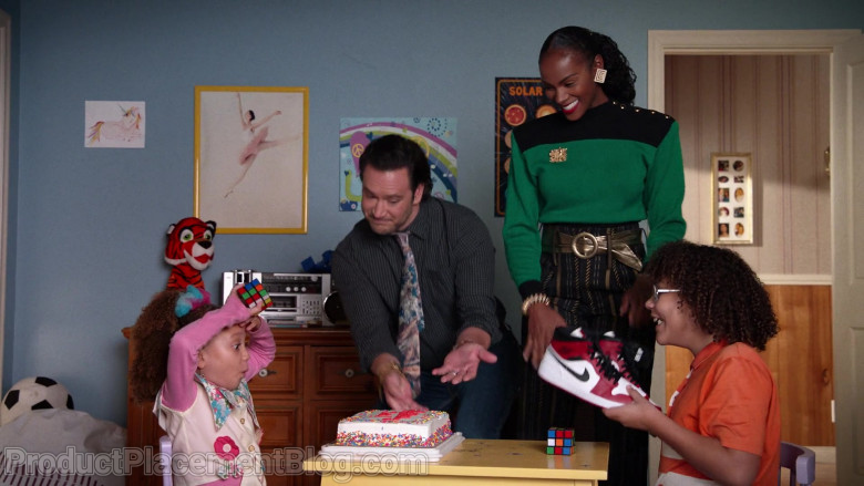 Nike Air Jordan Sneakers in Mixed-ish S02E03 (2)