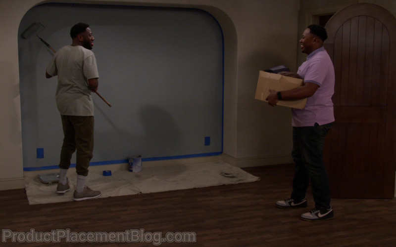 Nike Men's Low Sneakers of Marcel Spears as Marty Butler in The Neighborhood S03E09 Welcome to the Shakedown (2021)