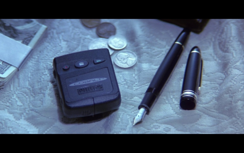 Philips pager & Montblanc pen in Enemy of the State (1998)