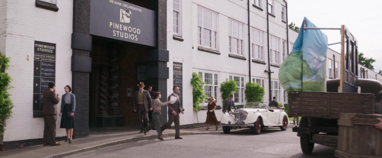 Pinewood Studios in Blithe Spirit Movie (1)