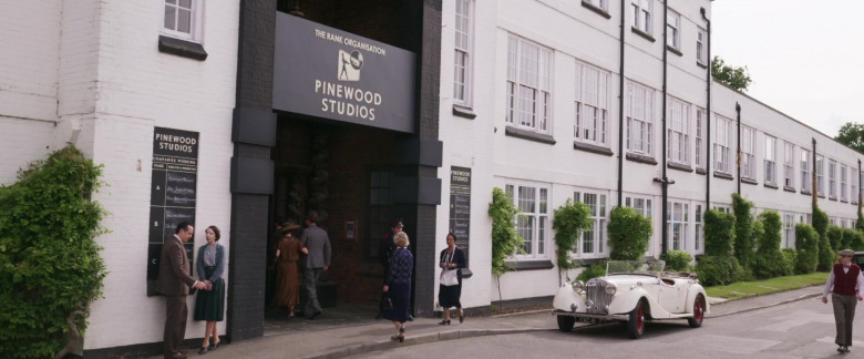 Pinewood Studios in Blithe Spirit Movie (3)