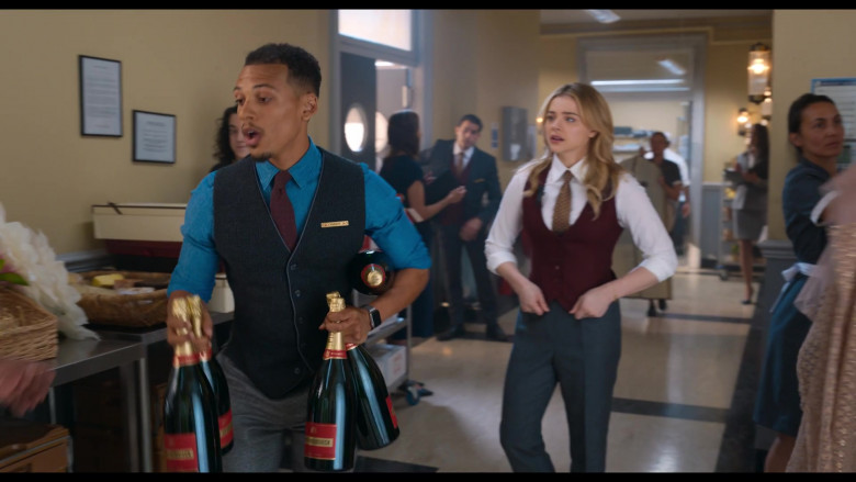 Piper-Heidsieck Champagne Held by Jordan Bolger as Cameron in Tom and Jerry (3)