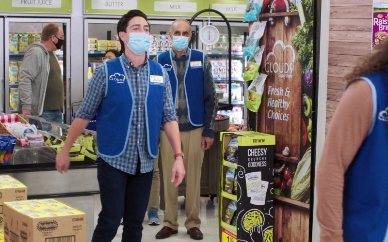 Popsicle Fudgsicle Fudge Pops and Harvest Snaps Snacks in Superstore S06E08 Ground Rules (2021)
