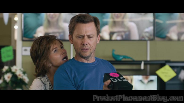 Samsung Galaxy S10 Smartphone Held by Jimmi Simpson as Petey in Breaking News in Yuba County (2021)