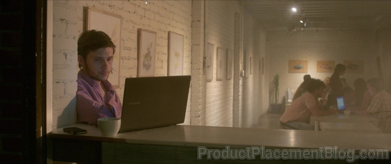 Samsung Laptop of Nick Robinson as Ross Ulbricht in Silk Road Movie (9)
