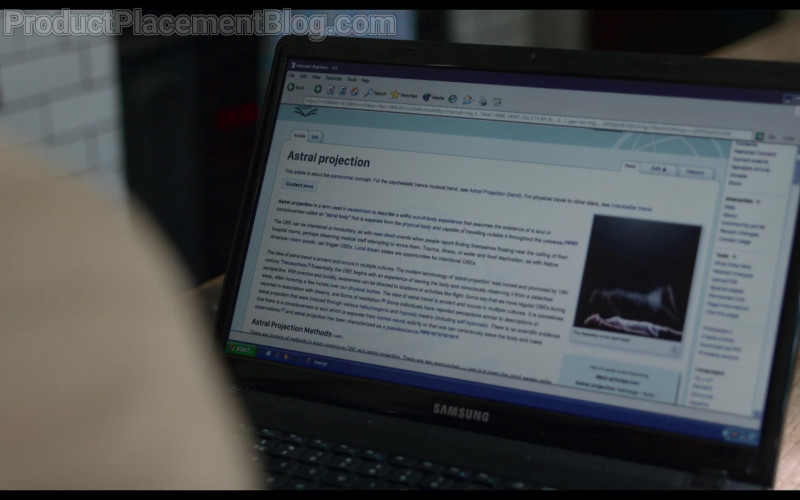 Samsung Laptop of Robert Aramayo as Rob in Behind Her Eyes S01E05 (1)