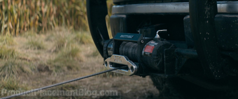 Smittybilt XRC Winch in The Stand S01E09 (2)