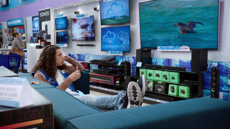 Sonos, Xbox One Controllers and Nvidia Shield in Superstore S06E08 Ground Rules (2021)