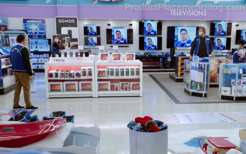 Sonos and iHome in Superstore S06E09 Conspiracy (2021)