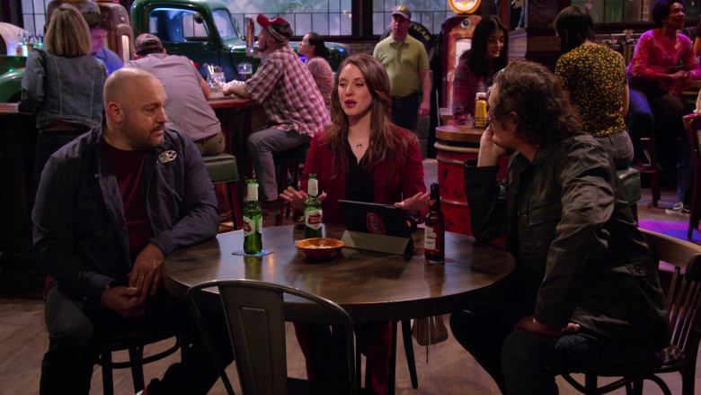 Stella Artois and Budweiser Beer in The Crew S01E02 (2)