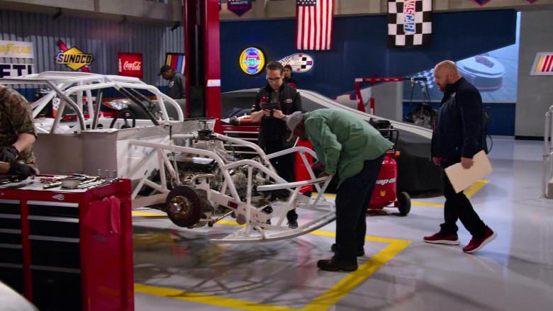 Sunoco, Coca-Cola and Chevrolet Signs in The Crew S01E02