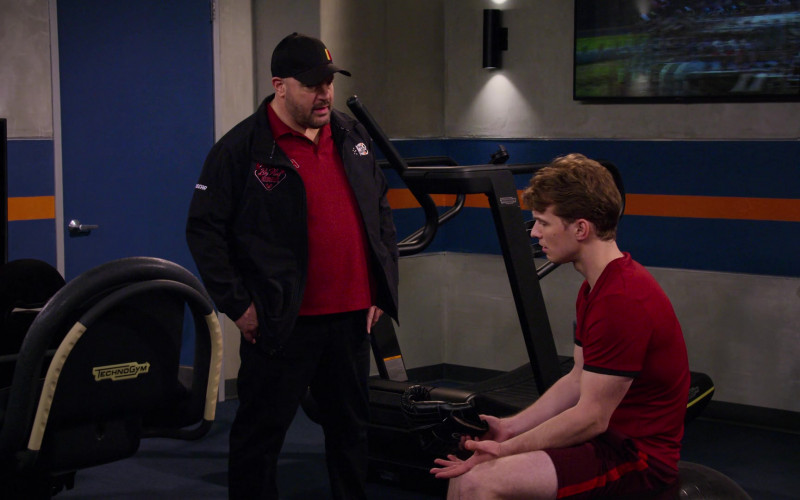 Technogym Fitness Equipment in The Crew S01E03 (2)