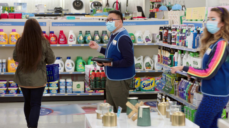 Tide, Oxiclean, Surf in Superstore S06E08 Ground Rules (2021)