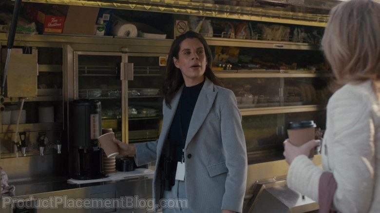 Tim Hortons Box in Pretty Hard Cases S01E02 Dealz (2021)
