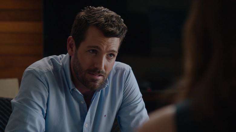 Tommy Hilfiger Men's Shirt of Tim Ross as Ben Patterson in Harrow S03E03 Tarde Venientibus Ossa (2021)