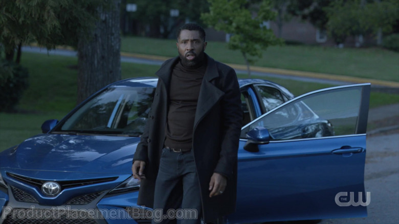 Toyota Camry Blue Car of Cress Williams as Jefferson Pierce in Black Lightning S04E01 TV Show (2)
