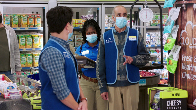 Tree-Ripe Fruit Co. Juices and Cabo Chips in Superstore S06E08 Ground Rules (2021)