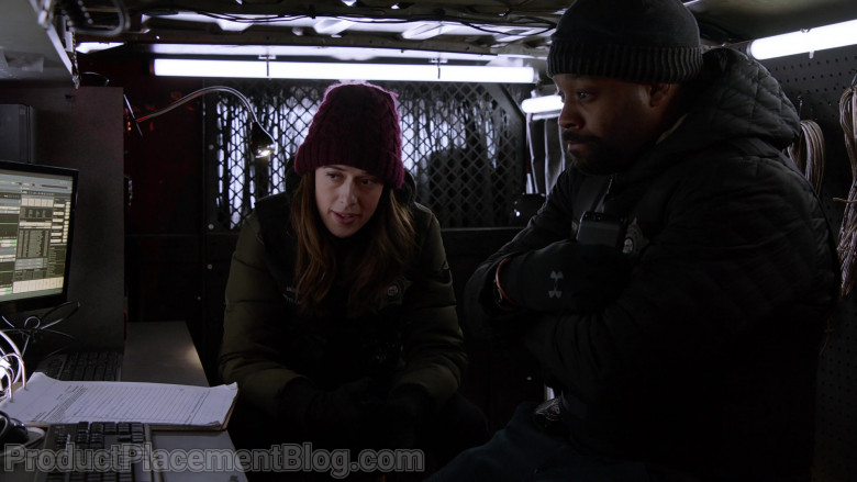 Under Armour Gloves Worn by Actor LaRoyce Hawkins as Kevin Atwater in Chicago P.D. S08E07 (2)