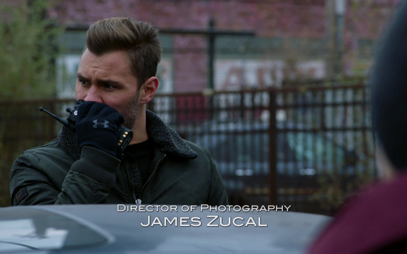 Under Armour Gloves in Chicago P.D. S08E05 In Your Care (2021)