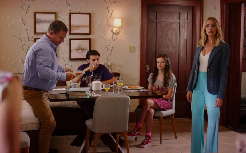 Vans Red HiTop Sneakers of Sara Waisglass as Maxine in Ginny & Georgia S01E03