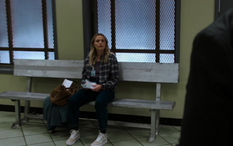 Vans Women's HiTop Shoes in Law & Order SVU S22E08 The Only Way Out Is Through (2021)