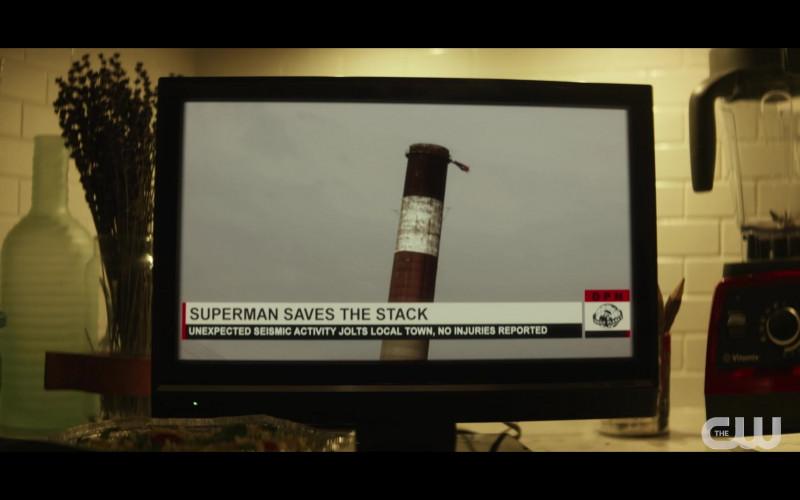 Vitamix Blender in Superman & Lois S01E01 (1)