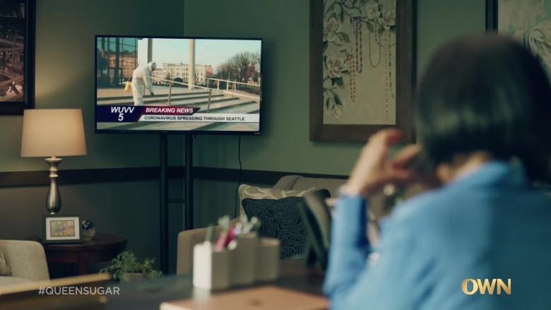 Vizio Television in Queen Sugar S05E02 Mid-March 2020 (2021)