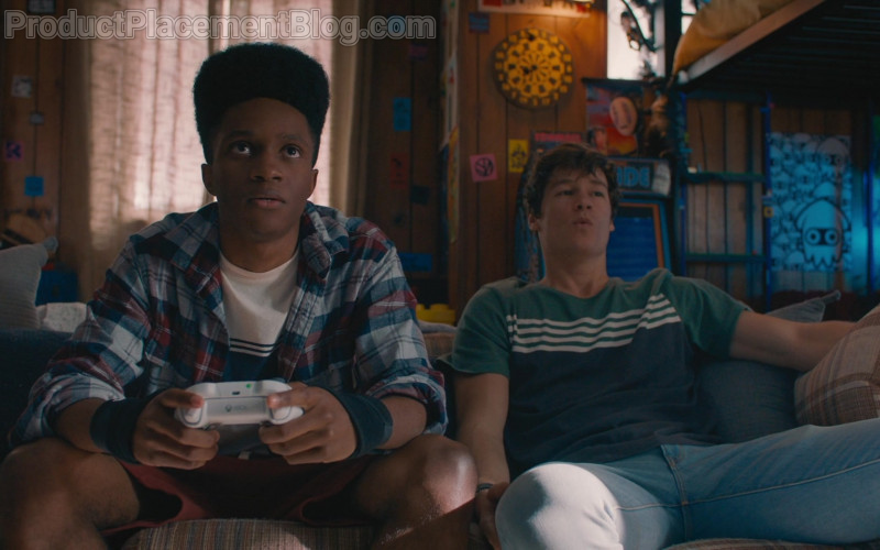 Xbox Controller of Jermaine Harris as Henry in The Map of Tiny Perfect Things (2021)