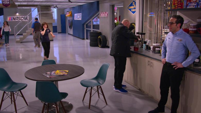 Xfinity, Goodyear Tires, Ritz Crackers, Hostess CupCakes in The Crew S01E02