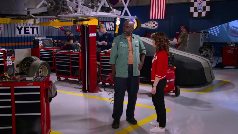 Yeti, K&N Engineering Air Filters and Lincoln Electric in The Crew S01E02