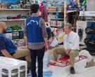 Zippo and Retrospec Snowshoes in Superstore S06E09 Conspira...