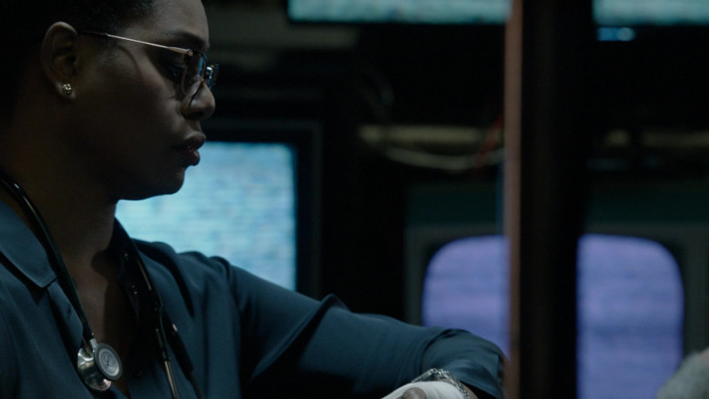 3M Littmann Stethoscope in The Blacklist S08E10 (2)