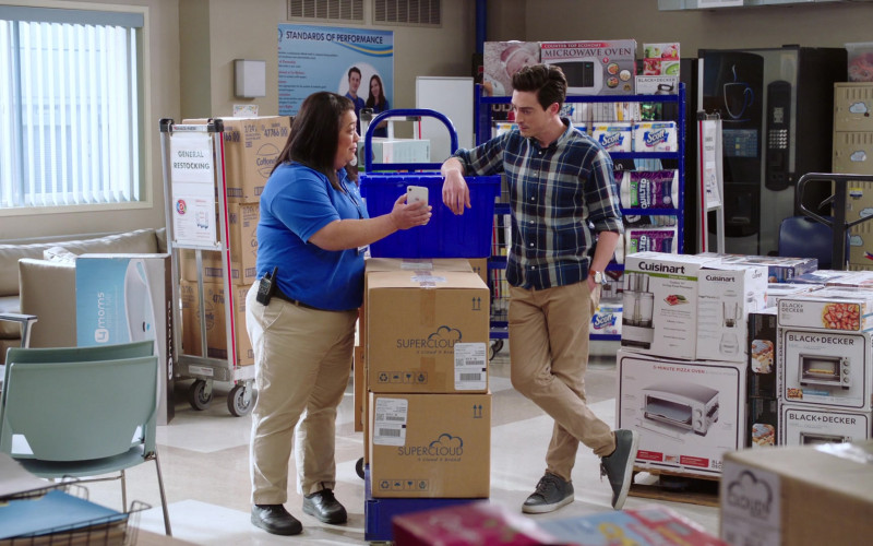 4Moms, Cottonelle, Scott, Quilted Northern, Cuisinart, Black + Decker and Apple iPhone of Kaliko Kauahi as Sandra Kaluiokalani in Superstore S06E13 Lowell Anderson (2021)