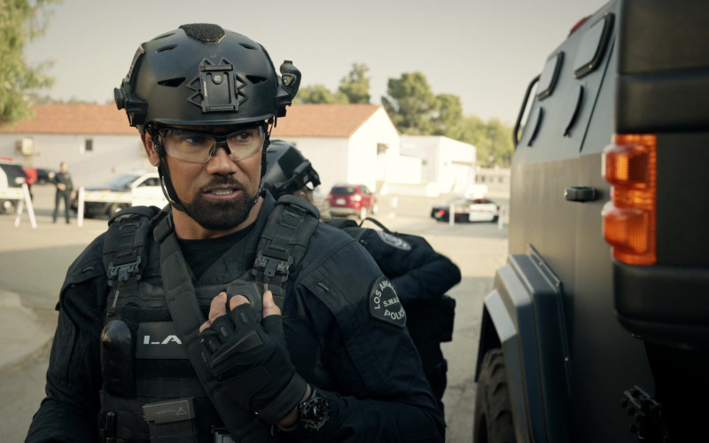 5.11 Tactical Wrist Watch of Actor Shemar Moore as Hondo in S.W.A.T. S04E10 (2)