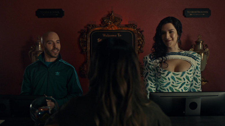 Adidas Men's Track Top in American Gods S03E08 The Rapture of Burning (2021)