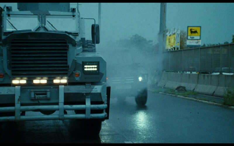 Agip Sign in A Good Day to Die Hard (2013)