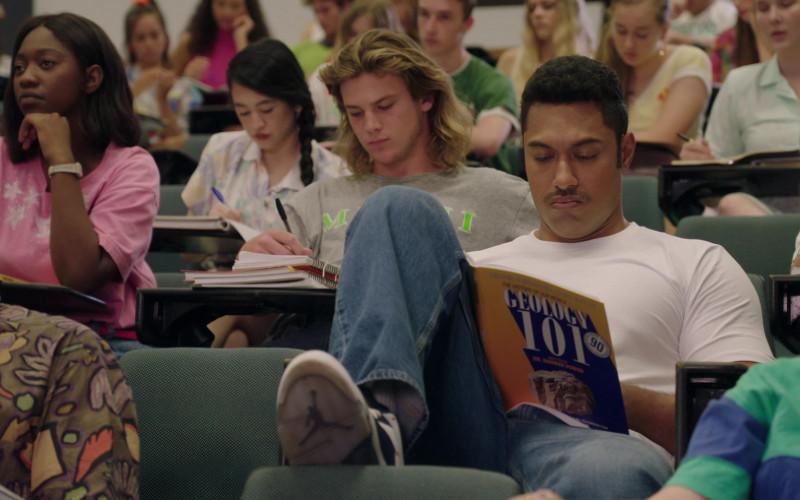 Air Jordan Sneakers of Uli Latukefu as 18–20-year-old Dwayne Johnson in Young Rock S01E04