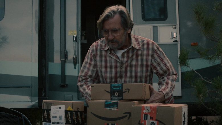 Amazon Prime Online Store Packages and Boxes in This Is Us S05E11 TV Show (2)