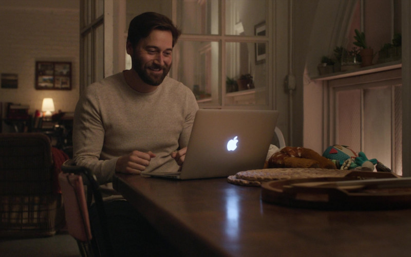 Apple MacBook Air Laptop of Ryan Eggold as Dr. Maximus 'Max' Goodwin in New Amsterdam S03E01 (1)