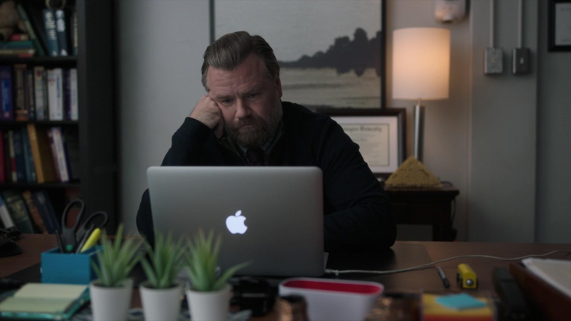 Apple MacBook Air Laptop Of Tyler Labine As Dr. Ignatius ...