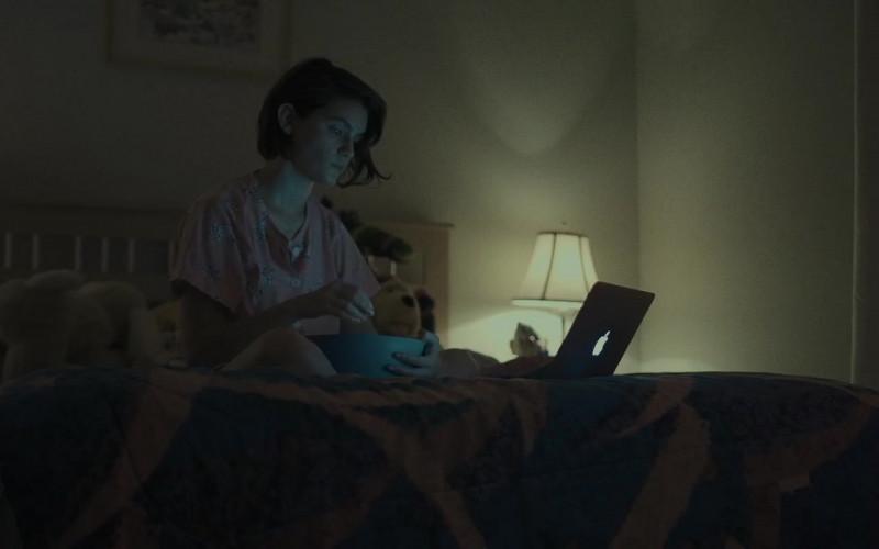 Apple MacBook Laptop in Come True (2020)