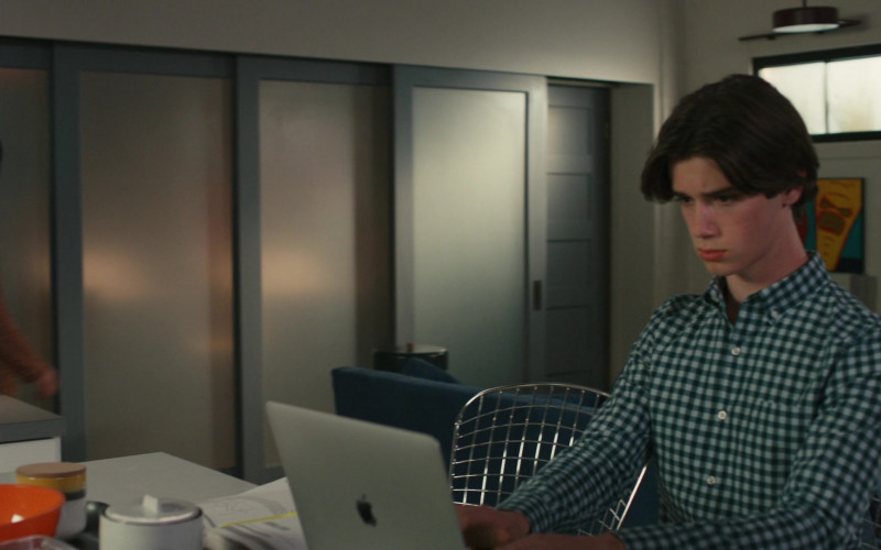 Apple MacBook Laptop of Actor Daniel DiMaggio as Oliver Otto in American Housewife S05E12 How Oliver Got His Groove Back (2021)